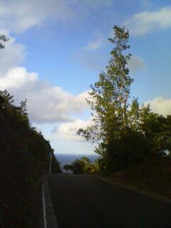 空とこの道、出会う場所