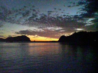 二見湾の夕景
